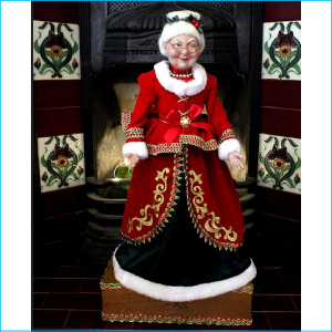 Mrs S. Claus on Box 70cm XX7283