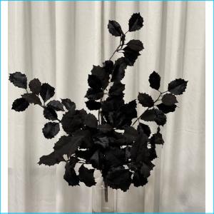 Spray Bunch Holly Leaf Black
