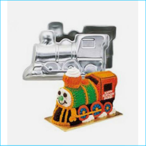 Cake Tin Train